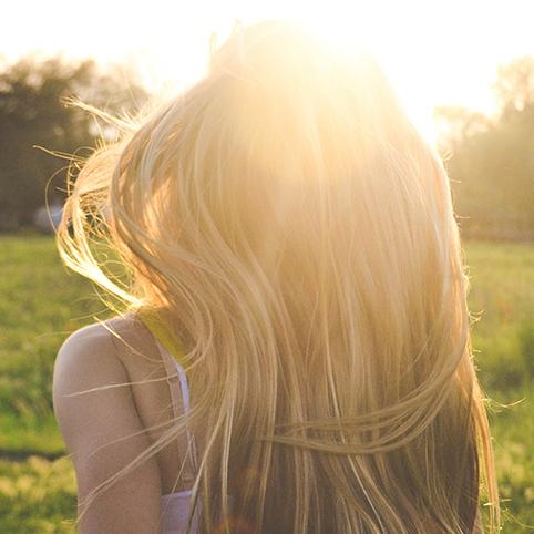 capelli-fragili-che-cadono-o-si-spezzano-potrebbe-dipendere-dal-cuoio-capelluto